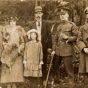 George Victor, Robina his wife, Edie age 8, George Sylvester, Percy Broughton and Horace (Bob). 1915