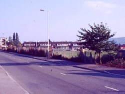 1985 Across the old playing fields towards Alma Road