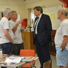 Visit of Kit Malthouse MP to the Oakley Men's Shed