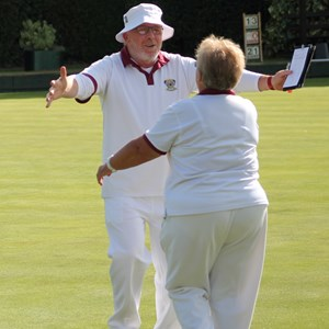 Big hugs all round for the victorious 2 Wood Pairs finalists,  Jim Bland and Elaine Robinson