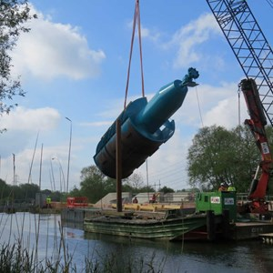 Installing Archimedes Screws at The Lasher weir