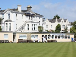 Beautiful setting - Torquay bowling club