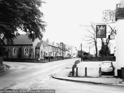 Old Coopers & the Chapel on the Corner (c) Francis Frith Collection