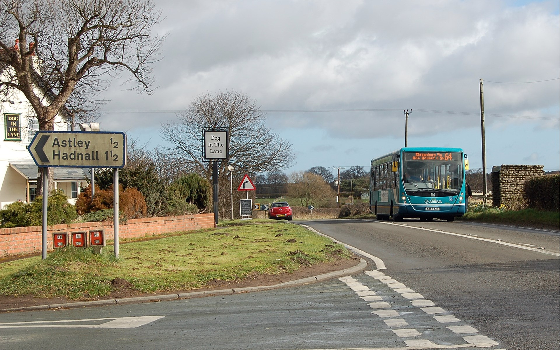 64 bus at Upper Astley