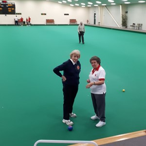 "Sue Pernyes ""President of Daventry IBC"" explain to Aliston (an international umpire) what the club is all about"
