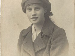Florence Gould, daughter of the vicar of North Collingham c 1916