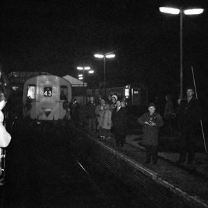 Last BR Watercress Line Train at Alton Station, 4 Feb 1973