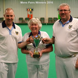 2015-16 pairs winners with President Mavis Guest
