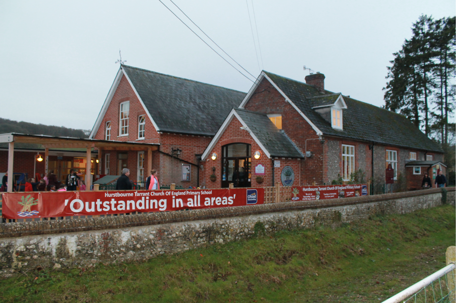 Hurstbourne Tarrant CE Primary School December 2015