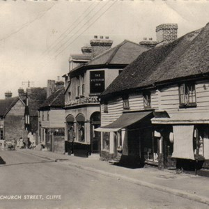 Cliffe High Street (then)