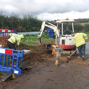 BT Openreach Re-routing Cables on Hannington Road Flood Area 2016