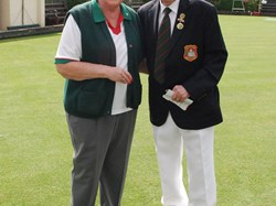 Ladies Vice Captain Maureen Robertson Receives her badge