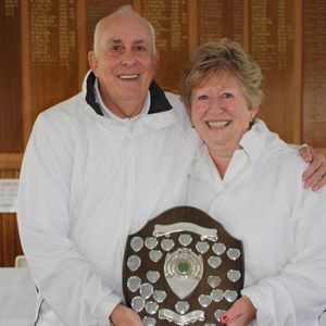 Mixed Pairs winners Jan Pead & Ray Gibson