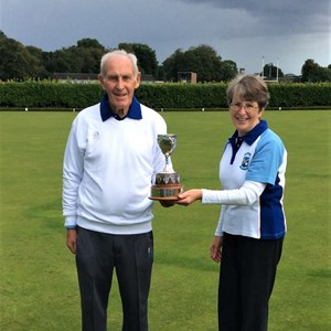 Winners Drawn Pairs 2020 Gayle Hartley and Ed Charge