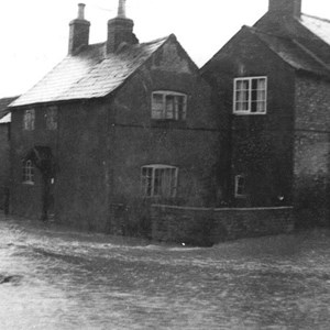 1954 Floods Maidwells Corner Kelmarsh Road