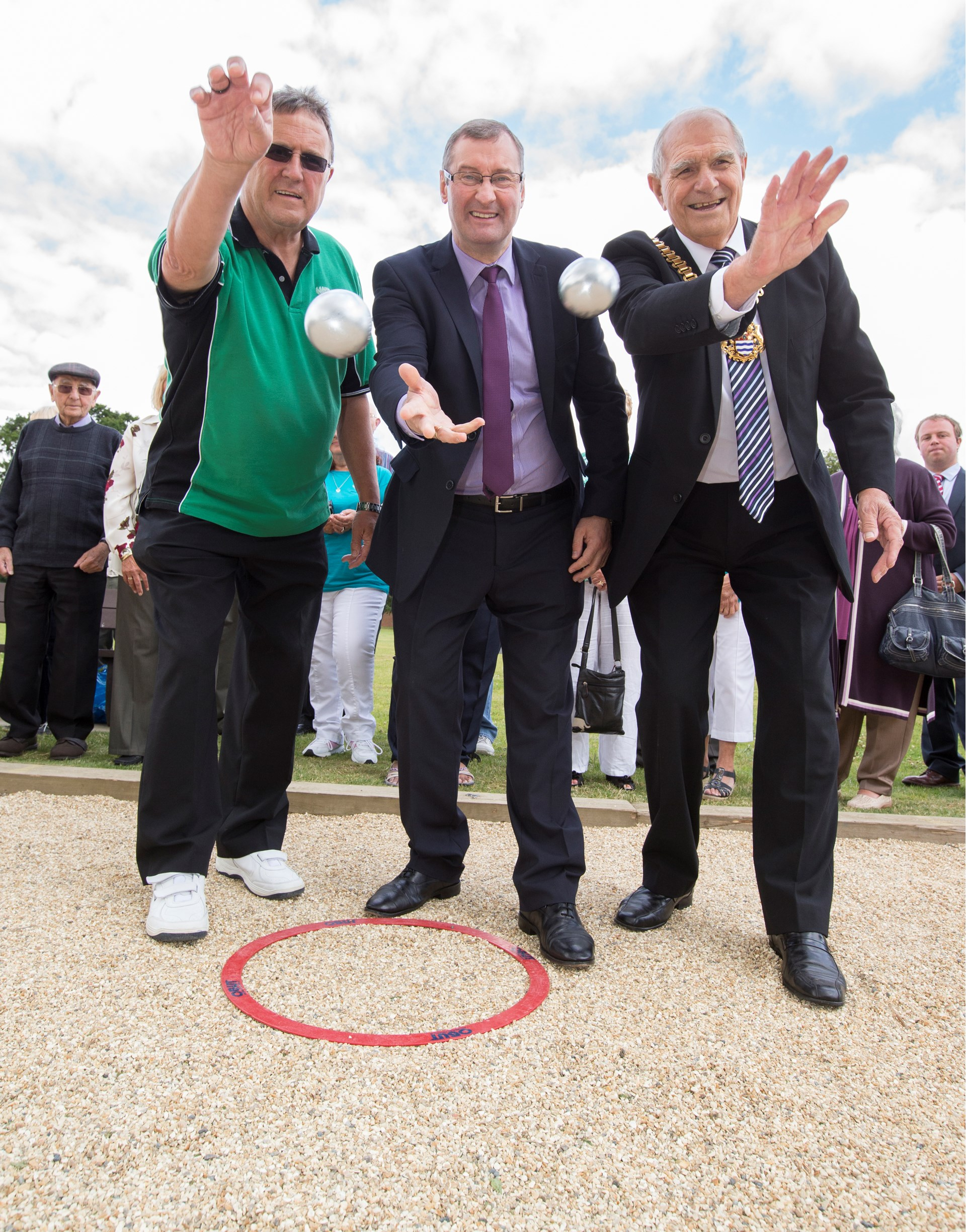 The Fernwood six lane piste officially opened by the Mayor of Newark, Mr Bob Crowe on 29th July 2015
