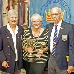 Diana Adcock Ladies and John Winup Men's Presidents  Presenting Ladies Singles Winner Trophy to Sylvia Parsons 2016