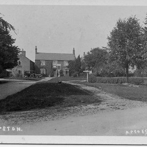 Red Lion and Village Green prior to 1920