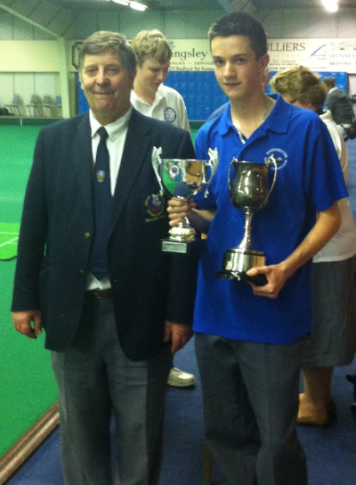 Ed Elmore National Under 18s Champion 2011 (ESMBA Chairman presents trophy)