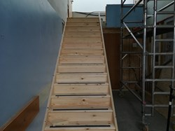 The stair case is in!!!