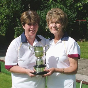 2009 GWBA Pairs Winners. Sarah Vincent, Janet Bishop.