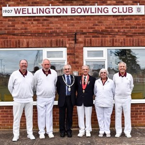 Chairman Geoff Stamp, Men's Captain Paul Kelly, Cllr Bob Bowrah, President Roland Bath, Ladies Captain Gill Groves, Mixed Captain Ian Thomson