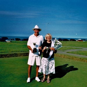 2007 Mixed Pairs Winners - Dave Christmas & Barbara Smith