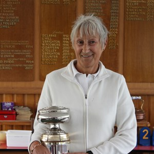 Ladies 2 wood winner Steph Greenwell