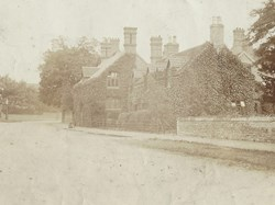 South Collingham House c 1890s. The Browne family were tenants her from c 1909 to the late 1920s