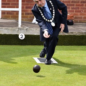 Wellington Town Mayor Cllr Bob Bowrah bowls the second wood of the 2017 season