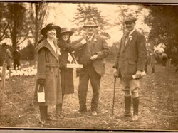Collecting for the Primrose League Collingham Show 1916