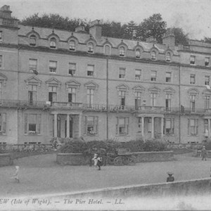 Old photo of the Pier Hotel, Seaview