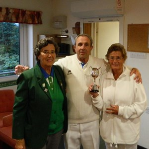 Roseanne Burridge & Mike Sampson Section 8 Mixed Pairs Winners