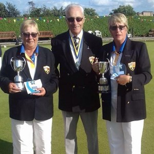 Ladies Champions - Caroline Walsh and Lynne Bayley