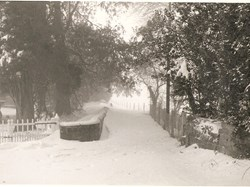 Donhead St Andrew Parish Council ....... when snow really was snow!