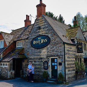 Giles & Cathy Dickinson - The Boot Inn